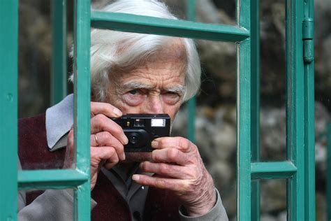 Renowned French Photographer Marc Riboud Dead at 93